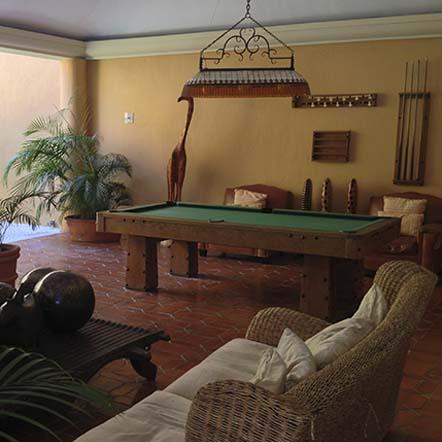 Mesa de billar y sala de juegos
